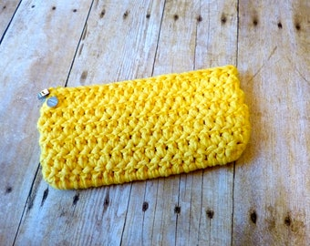 The Perfect Clutch (Duck Yellow)