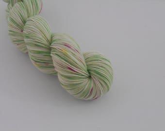 LOVE SOCK,  Pâquerette, merino nylon sock yarn,100g