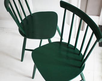 Pair of Ercol Style, Mid Century, Spindle back Chairs in Dark Forest Green