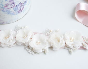 Blush Bridal Sash, Ivory Flower Wedding Sash, Bridal Sash, Blush pink Belt, Flower Belt, Wedding Dress Sash, Vintage sash, Lace Bridal Sash