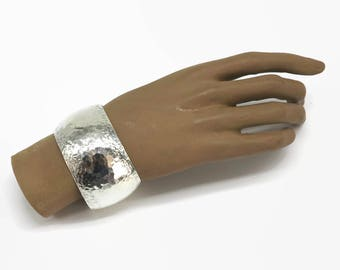 Wide sterling silver hammered cuff bracelet, honeycomb pattern, opening at back, 1.5 inches / 38 mm wide, stamped 925, 35 grams