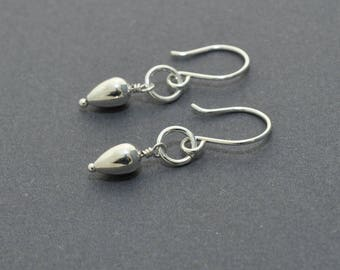 Tear drop dangle earrings, Sterling Silver Dangle Earrings, Minimal Earrings