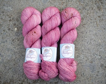 Ultimate Sock - Hand dyed Yarn - 75/25 Merino SW/Nylon - Fingering Weight 4ply - 100 grams - 425m/465yards - Magnolia