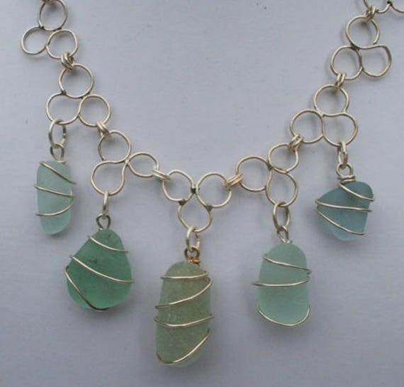 TREFOIL SEAGLASS NECKLACE - Aqua