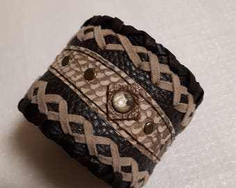 leather bracelet,genuine leather,brown beige,with rivets,with push button,unisex,hippi,boho,western,country,middle age,wide,unique,rockstyl