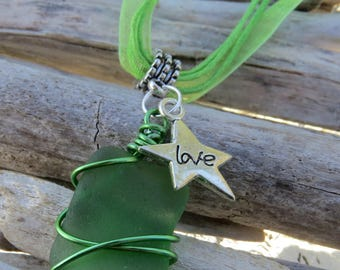 Green frosted glass and star charm pendant necklace / Love by JosieCoccinelle