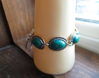 Handcrafted Turquoise 925 Sterling Silver 7 3/4 Inch Bracelet with Toggle Clasp. Weight 20 Grams