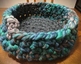 Medium Cat Bed - Crochet Pet Bed
