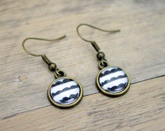 """Little clouds in sailor"" cabochon earrings - retro bronze brass"