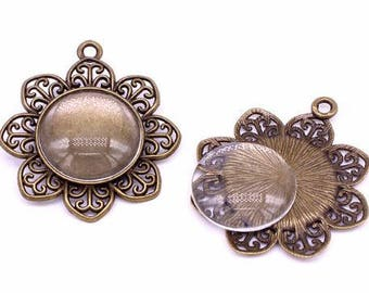 One Antique Bronze Effect Flower Pendant Blank Bezel Tray Setting // with Clear Glass Cabochon // APB028