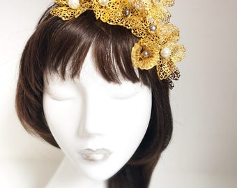 Gold Bridal Tiara. Wedding Headpiece. Contemporary Flower Crown. Gold Filigree Tiara.