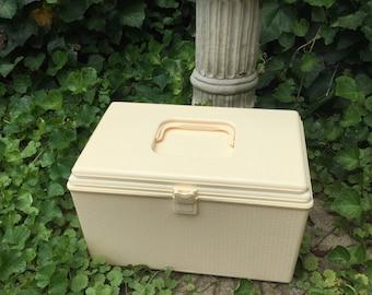 Vintage Wilson Wilhold Sewing Box, Vintage Sewing Box, Sewing Basket, Craft Storage, Plastic Sewing Caddy, Large Sewing Box