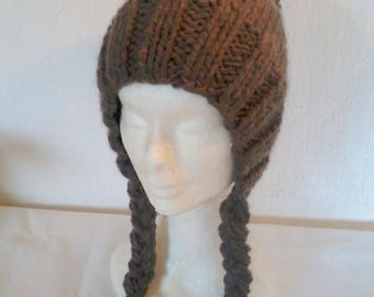 Bonnet fantaisie style charlotte in grosse wool