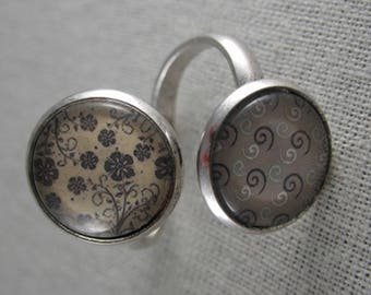 Bague053 - Ring double beige and liberty cabochons