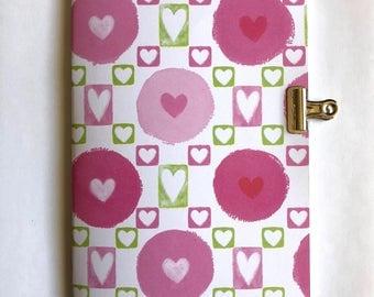 Travelers Notebook Insert - 32 lb Dot Grid Paper - B6 Size - Pink & Green Valentine Hearts