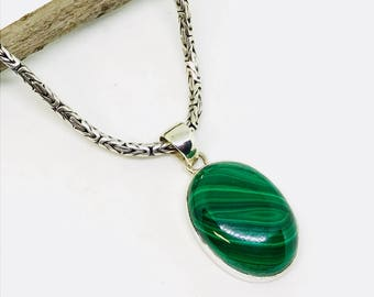 Malachite pendant, necklaces set in sterling silver(92.5). Natural authentic malachite stone. Length- 1.5 inch long.
