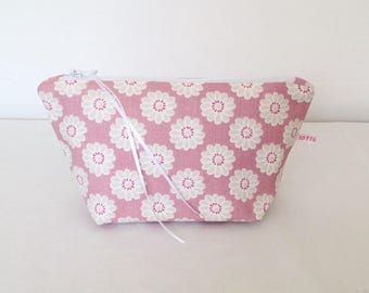 Make Up Bag, Pink Daisy Bag, Cosmetic Bag, Pouch, Handbag Tidy, Hair Accessories Bag, Sewing Bag, Jewellery Pouch, Gift for Her, Pink Purse