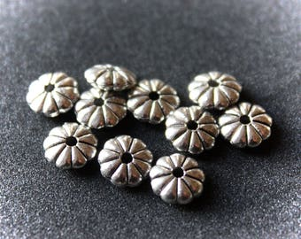 10 beads silver spacers flowers 7 mm