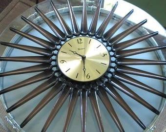 Mid Century Modern Syroco Atomic Starburst Wall Clock