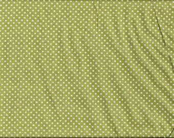 Tissu coton patchwork vert mousse à pois blancs de 2mm.