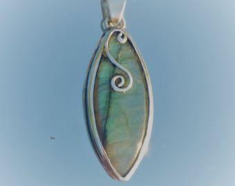 LABRADORITE & Sterling Silver 925 - handmade pendant / original / unique / stone/gemstone