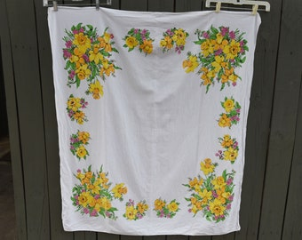 """Pretty Vintage  Tablecloth - 49"""" by 54"""""""