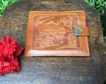 Vintage Australian Tooled Leather Men's Billfold Wallet