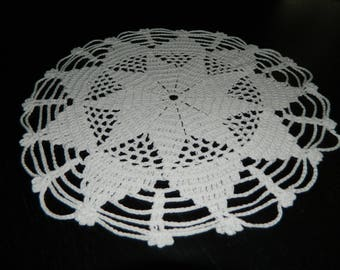 french VINTAGE, French lace doily crochet doily handmade d 31cm round