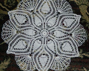 handmade French lace doily crocheted french VINTAGE d 42cm round
