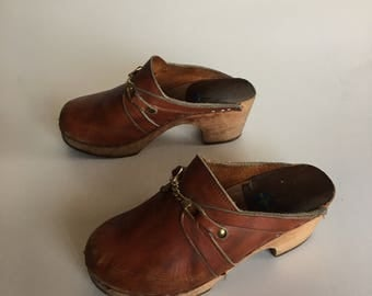 Vintage 70's Swedish leather clogs 6.5