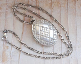 Vintage Oval Locket Quilted Geometric Floral Pattern Large Sterling Silver 925 with Chain
