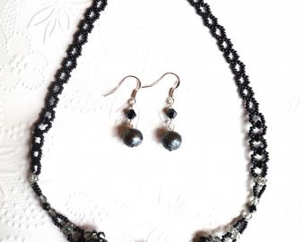 Set of swarovski and freshwater pearls necklace and earrings