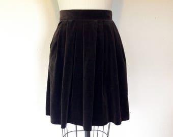 1970s Brown velveteen skirt