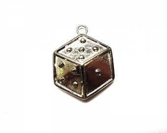 THE 30-35 MM SILVER METAL CHARM PENDANT