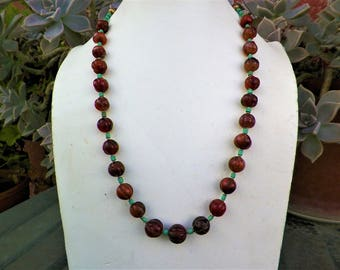 Tibetan ethnic necklace in pearl carnelian size melon and turquoise 1970s
