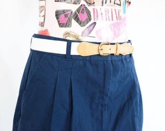 SALE* Vintage pleated navy shorts 80s