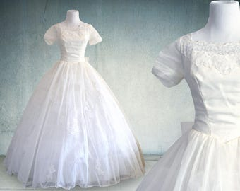 1950s Wedding Dress with Sleeves Tulle, Lace and Organza in Ivory Ballgown