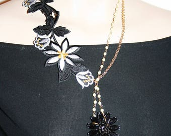 Baroque necklace - CARESS of flowers