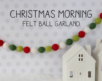 Christmas garland - Felt ball garland - Traditional Christmas  - Holiday decor - Christmas decor - Pom pom garland - Christmas gifts