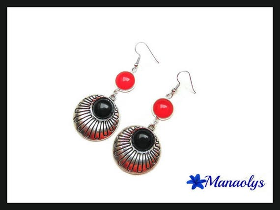 Red and black earrings, glass cabochons and resin cabochons