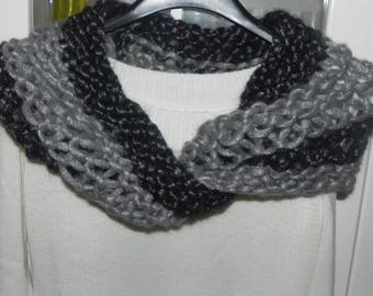 Scarf-neckwarmer-tone cross ring made of grilled