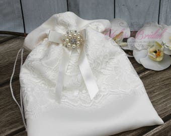 FAST SHIPPING!! Beautiful and Romantic Cosmetic Bag, Lace Flower Cosmetic Bag, Wedding Bag, Money Bag, Bridal Bag, Ivory Bridal Purse