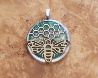 Honeycomb Bee Green/Silver/Gold Soul-Antenna Crystal Ormus Orgone Energy Pendant Necklace 25mm Herbalism Wisdom Travel Totem Teamwork Spirit