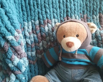 Teal and Multi-Colored Chunky Knit Blanket, 4.5'x5.5'