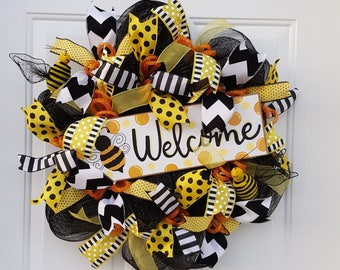 Bee Wreath, Deco Mesh Bee Wreath, Spring Wreath, Summer Wreath, Summer Welcome Wreath, Spring Welcome Wreath, Bee Welcome Wreath