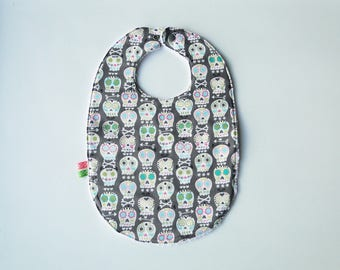 """Large bib """"skull"""" with cotton and sponge 12-24 months"""