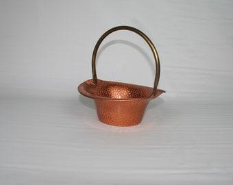 Vintage hammered Copper Bucket Pail