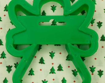 1989 Wilton Green Angel Christmas Plastic Cookie Cutter Taiwan