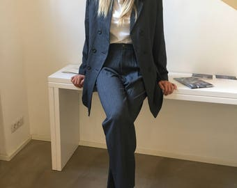 Tailleur gessato grigio, tailleur grigio gessato anni 80, completo donna gessato taglia 44, tailleur gessato donna grigio