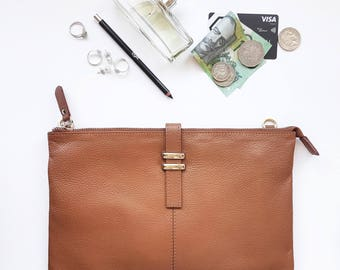 Maxi Pouch - Tan Leather